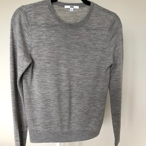 Uniqlo Gray Extra Fine Merino Crew Neck Sweater